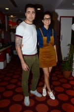 Imran Khan, Kangana Ranaut on the sets of Red FM in lower Parel on 18th Aug 2015 (48)_55d71e7e978e8.JPG