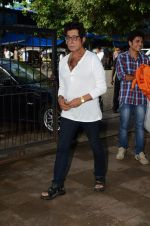 Shakti Kapoor at Shraddha Kapoor_s grandfather_s prayer meet in Juhu, Mumbai on 18th Aug 2015 (68)_55d71fe1a84a3.JPG