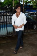 Shakti Kapoor at Shraddha Kapoor_s grandfather_s prayer meet in Juhu, Mumbai on 18th Aug 2015 (69)_55d71fe2a42d8.JPG