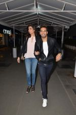Upen Patel and Karisma Tanna snapped as they watch All is Well in PVR on 20th Aug 2015 (8)_55d73ae986fdc.JPG