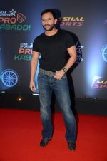Saif Ali Khan at Pro Kabaddi finals in NSCI on 23rd Aug 2015 (78)_55dabf64a379b.JPG