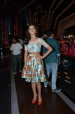 Shakti Mohan on location of Dance plus in Yashraj Studios on 25th Aug 2015 (27)_55dd8199b8733.JPG