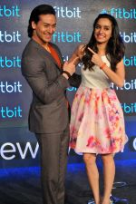 Tiger Shroff and Shraddha Kapoor in Delhi for fitbit launch in Mumbai on 25th Aug 2015 (10)_55dd7ec0b887a.jpg