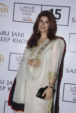 Twinkle Khanna at Abu Jani Red Carpet on 25th Aug 2015
