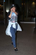 Sonakshi Sinha snapped on international airport on 26th Aug 2015