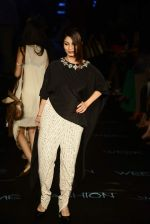 Tanisha Mukherjee at Payal Singhal Show on day 1 of LIFW on 26th Aug 2015