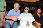 Kader Khan, Om Puri at film Hogaya Dimaagh Ka Dahi press meet in Mumbai on 28th Aug 2015 (4)_55e161d8edf21.JPG