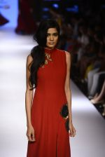 Model walks for Ridhi Mehra Show at LIFW Day 5 on 29th Aug 2015