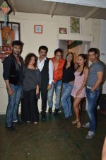 Gaurav Chopra, Rajesh Khattar, Vandana Sajnani, Kashmira Shah at Vandana Sajnani_s fourplay in Rangsharda on 30th Aug 2015 (17)_55e400afd958b.JPG