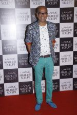 Narendra Kumar Ahmed at the grand finale of Lakme Fashion Week 2015 on 30th Aug 2015 (121)_55e406d7abbd5.JPG