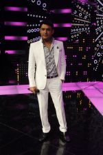 KapilSharma on the sets of &TV_s The Voice India_55e54a096b513.jpg