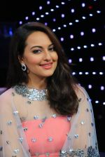Sonakshi Sinha on Indian Idol Location on 31st Aug 2015