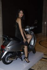 Aanchal Kumar at vespa bash hosted by Umesh Jivnani in Palladium on 1st Sept 2015 (58)_55e700c8089fb.JPG
