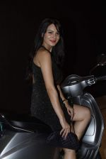 Aanchal Kumar at vespa bash hosted by Umesh Jivnani in Palladium on 1st Sept 2015 (59)_55e700c8c5f5e.JPG