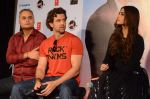 Hrithik Roshan, Sonam Kapoor, Neeraj Roy at the launch of _Dheere Dheere Se_ song on 1st Aug 2015 (81)_55e703fdc79db.JPG