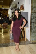 Narayani Shastri at Hidesign store for Vogue Fashion Night Out on 2nd Sept 2015 (33)_55e7fb3fb4c46.JPG