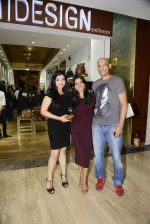 Narayani Shastri at Hidesign store for Vogue Fashion Night Out on 2nd Sept 2015 (34)_55e7fb4082515.JPG
