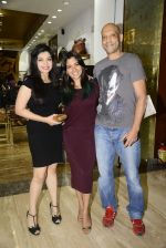 Narayani Shastri at Hidesign store for Vogue Fashion Night Out on 2nd Sept 2015 (35)_55e7fb4123b39.JPG