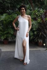 Karishma Tanna at mitali vohra event in Mumbai on 3rd Sept 2015 (45)_55e94501e4e98.JPG