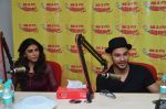 Kunal Khenu and Zoa Morani at Radio Mirchi studio to promote their film Bhaag Johny on 3rd Sept 2015 (7)_55e93e191a2c6.JPG