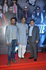 Nana Patekar, Anees Bazmee, Firoz Nadiadwala at welcome back premiere in Mumbai on 3rd  Sept 2015 (82)_55e9476154779.JPG