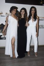 Sarah Jane Dias, Karishma Tanna at mitali vohra event in Mumbai on 3rd Sept 2015 (14)_55e945079287e.JPG