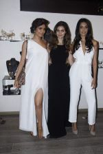 Sarah Jane Dias, Karishma Tanna at mitali vohra event in Mumbai on 3rd Sept 2015