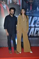 Sonam Kapoor, Anil Kapoor at welcome back premiere in Mumbai on 3rd  Sept 2015