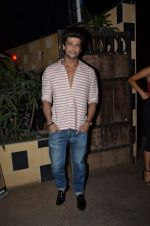 Kushal Tandon at sargun mehta_s bday bash hosted by ravi dubey on 5th Sept 2015 (35)_55ec2dba12d34.JPG