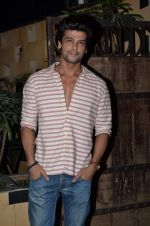 Kushal Tandon at sargun mehta_s bday bash hosted by ravi dubey on 5th Sept 2015 (36)_55ec2dbb82185.JPG
