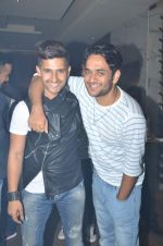 Ravi Dubey at sargun mehta_s bday bash hosted by ravi dubey on 5th Sept 2015 (26)_55ec2dfc4d238.JPG