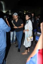 suresh raina snapped at airport  on 5th Sept 2015 (30)_55ec2889781a2.JPG