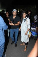 suresh raina snapped at airport  on 5th Sept 2015