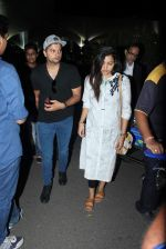 suresh raina snapped at airport  on 5th Sept 2015 (33)_55ec288c46df0.JPG