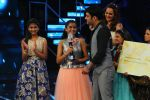 Kapil Sharma at Indian Idol Junior Grand Finale on 6th Sept 2015 (26)_55ed50ce000b6.JPG