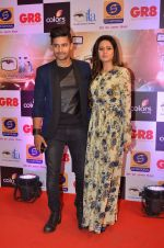 Ravi Dubey, Sargun mehta at Gr8 ITA Awards in Mumbai on 6th Sept 2015 (378)_55ed6038e6554.JPG