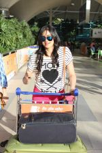 Adah Sharma snapped at airport in Mumbai on 7th Sept 2015