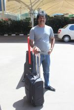 Dhanraj Pillai snapped at airport in Mumbai on 7th Sept 2015 (11)_55ee83f142055.JPG
