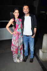Priya Banerjee, Siddhant Kapoor at Jasbaa song launch in Escobar on 7th Sept 2015 (37)_55eea30ef2678.JPG