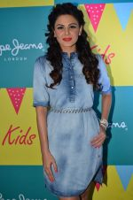 Aanchal Kumar at Pepe Jeans kids wear launch in Mumbai on 10th Sept 2015 (29)_55f28bab9eb59.JPG