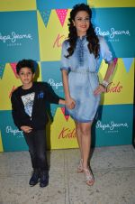 Aanchal Kumar at Pepe Jeans kids wear launch in Mumbai on 10th Sept 2015 (23)_55f28b8b55b70.JPG