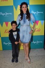 Aanchal Kumar at Pepe Jeans kids wear launch in Mumbai on 10th Sept 2015 (25)_55f28b8eaf65d.JPG