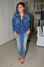 Shweta Salve at Pepe Jeans kids wear launch in Mumbai on 10th Sept 2015 (4)_55f28c0fc95e7.JPG