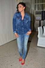 Shweta Salve at Pepe Jeans kids wear launch in Mumbai on 10th Sept 2015 (5)_55f28c10ae839.JPG