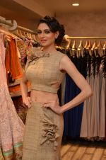 Simran Kaur at Archana Kocchar_s NY Fashion week collection launch in Juhu, Mumbai on 10th Sept 2015 (29)_55f28b1450eb2.JPG