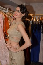 Simran Kaur at Archana Kocchar_s NY Fashion week collection launch in Juhu, Mumbai on 10th Sept 2015 (34)_55f28b18b5c88.JPG