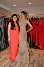 Simran Kaur at Archana Kocchar_s NY Fashion week collection launch in Juhu, Mumbai on 10th Sept 2015 (52)_55f28acdb36f5.JPG