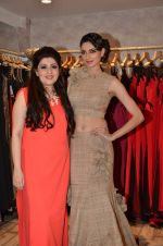 Simran Kaur at Archana Kocchar_s NY Fashion week collection launch in Juhu, Mumbai on 10th Sept 2015 (54)_55f28ace57cdb.JPG