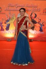 Amruta Khanvilkar at Country Club Navratri press meet in Andheri, Mumbai on 12th Sept 2015 (31)_55f54fcf9bed8.JPG