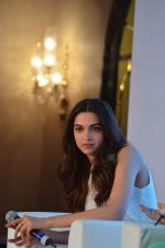 Deepika Padukone at Axis bank lime app launch in Taj on 12th Sept 2015 (134)_55f5535a959c9.JPG